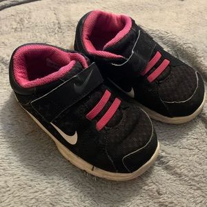 Nike toddler sneakers size 8